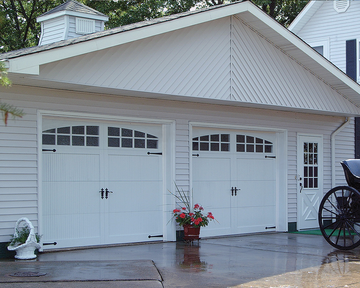 Carriage double garage door - Chi Carriage House Garage Door Model 5250